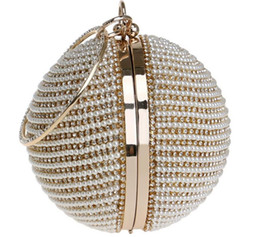 China The Fashion 3 Colors European and American Round Dinner Bag Ladies Gold-plated Silver Pearl Handbag suppliers
