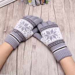mitten patterns NZ - New Hot Sale Fashion Guantes Men &Women Winter Warm Gloves 4 Colors Knitting Snowflake Pattern Full Finger Gloves&Mittens