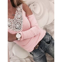 $enCountryForm.capitalKeyWord NZ - Korean Off The Shoulder T-shirt Women Sweet Lace Crochet V-neck Tee Casual Fashion Party Elegant Pink Slim Fit Tops T-shirts