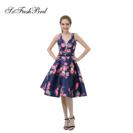 $enCountryForm.capitalKeyWord NZ - Elegant Girls Dress V Neck Open Back A Line Short Print Satin Party Formal Evening Dresses for Women Prom Dress Gowns
