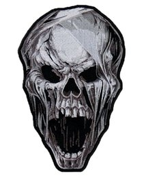 $enCountryForm.capitalKeyWord Australia - Cool Skull Patch Embroidered Iron On Patch Clothing DIY Applique Embroidery Badge Free Shipping
