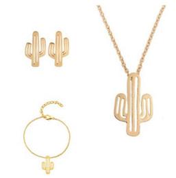 c3aa8d572bf9 Nueva moda hueco cactus conjuntos de joyas de oro y plata cactus colgante  pulsera pendientes collar conjuntos mujeres agradable joyería