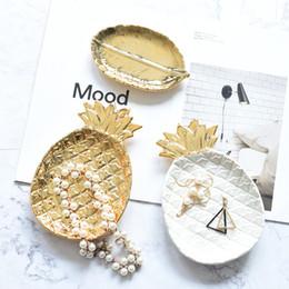 Créatif en céramique ananas plaque anneau bijoux plateau de présentation soucoupe de fruits assiette à dessert mariage anniversaire fête table décor ananas plat en Solde