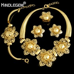 Big Sets Beads Australia - Kindlegem Exquisite Dubai Jewelry Set Luxury Gold Color Big Nigerian Wedding African Beads Jewelry Set Fashion Costume Design