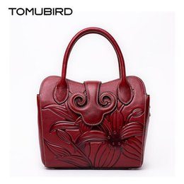 Genuine Leather Bag Design Canada - Genuine leather women leather handbags 2017 Embossed flower design Shoulder Bag fashion bolsas feminina bolsas de marcas famosas