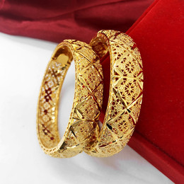 Yellow Gold 18k Bangle Australia - 1 Pieces Hollow Bangle Classic Wedding Jewelry 18k Yellow Gold Filled Elegant Womens Bangle Bracelet Openable Accessories Gift Dia 6cm