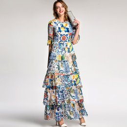 Chinese  Lady Milan 2018 Women's O Neck Half Sleeves Floral Printed Tiered Ruffles Prom Designer Long Dresses manufacturers