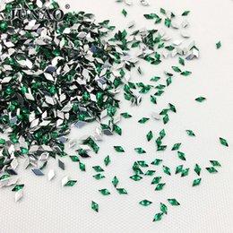 JUNAO 5000 pz 1.5 * 3mm Verde Nail Art Strass Flatback Acrilico Strass Nail Decorazione Pietre Colla Su Fancy Rombo Cristalli per Artigianato FAI DA TE