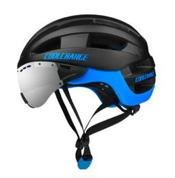 Helmet Lenses Canada - Professional Cycling Helmet EPS Windproof Lenses Integrally-molded Bicycle Helmet Men 16 Vents MTB Bike Helmet Casco Ciclismo