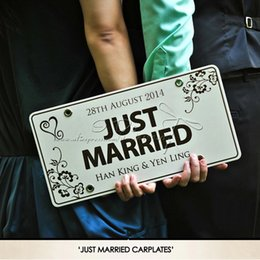 Discount car backdrops - Free Shipping Personalized Car Plate Wedding Car Decoration Wedding Supplies Wedding Backdrops Event &Party Supplies