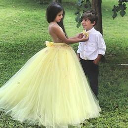 $enCountryForm.capitalKeyWord Australia - New Arrival Stunning Yellow Ball Gown Flower Girl Dresses for Wedding Girls Pageant Dress Gowns Kids Party Dress Cheap