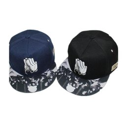 New Fashion Embroidery Hand Cross Baseball Cap Hat For Men And Women Summer  Style Casual Flat Snapback Hat Cotton Hip Hop Caps c1712cf017c8