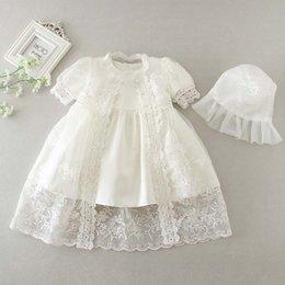 Платье для младенцев с крест-накрестками для младенцев на рождение ребенка Платье для девочек на день рождения Платья для девочек Кружева для новорожденных Принцесса Платья со шляпой Одежда для девочек A1662