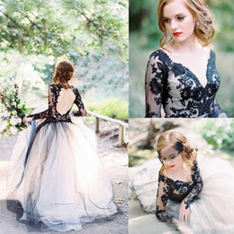 $enCountryForm.capitalKeyWord Canada - Latest Black Lace And White Tulle Wedding Dresses Sexy V Neck 2018 Illusion Long Sleeves Gothic Bridal Gowns Country Wedding Bridal Gowns