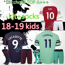 10e089f27 2018 2019 Arsenal home away 3rd kids kits+socks soccer jersey 18 19 ALEXIS  XHAKA GIROUD CHAMBERS OZIL football kids kit socks shirts