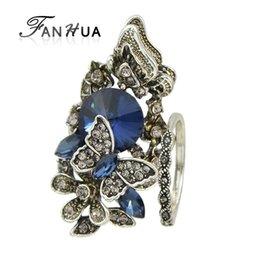 12a902ae90e8 Al por mayor- FANHUA 2pcs   set Accesorios de la vendimia de la joyería de  color plata antiguo azul cristalino mariposa anillo de dedo de la mariposa  para ...