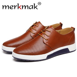 3542dd91bf Merkmak Merkmak Novo 2018 Homens Sapatos Casuais de Verão de Couro  Respirável Furos de Luxo Da Marca de Sapatos Baixos para Homens Transporte  da gota