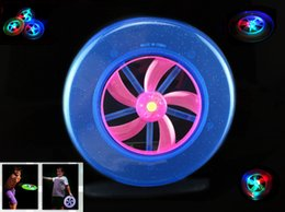 China Free shipping New Speical Colorful Fashion Hot Spin LED Light Magic Outdoor Toy Flying Saucer Disc Frisbee UFO Kid Toy TY400 supplier magic saucer toy suppliers
