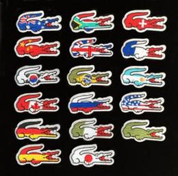 Qualité en gros Drapeau Marque Brodé Patchs Fer Sur Veste T-shirts Sacs Patchs Applique BRICOLAGE Broderie Crocodile Patch 6 * 3 CM