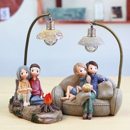 Scroll Lights Australia - Resin Cute Couple Model Figurines Lovers People Miniatures Living Room Bedroom Night Light Garden Home Decoration Crafts Gifts