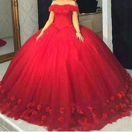 Großhandel 2018 Mode 3D Floral Red Puffy Ballkleid Quinceanera Kleider Schulterfrei Tüll Lace Up Zurück Sweet 15 Kleider Party Pageant Für Mädchen