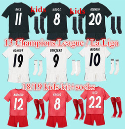 3ea64343364 2019 Real madrid kids soccer Jersey 17 18 19 3rd red home away black  ASENSIO BALE RAMOS ISCO KROOS MODRIC Champions League patches shirts