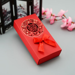 Discount red chinese style box - Chinese Asian Style Red Double Happiness Wedding Favor Box Party Gift Favor Bowknot Hollow Out Candy Box QW7016