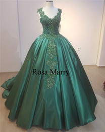 emerald ball dresses NZ - Emerald Green Ball Gown Prom Dresses 2020 Appliques Lace Sequined Beaded Plus Size Muslim Arabic Long Satin Formal Quinceanera Party Gowns