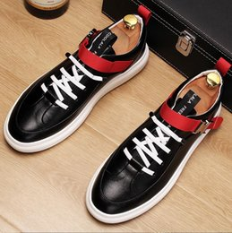 european style men casual shoes UK - 2018 New style European high quality light adult casual shoes breathable cool fashion comfortable men sneakers magazine printing shoes J79