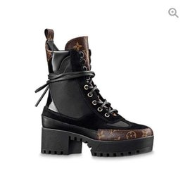 Sh faShion online shopping - New luxury branded Leather production Round head women s high quality Fashion Martin boots Lace up heels Ladies boots Bare boots women s sh