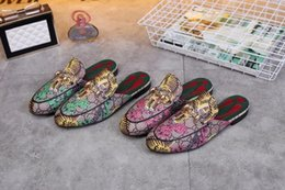 Shoes Metal Print Australia - Top Quality Letter Printing Flowers Metal Buckle flip flop shoes Genuine leather Woman Graffiti Casual Slippers Shoes 35-42 With Box