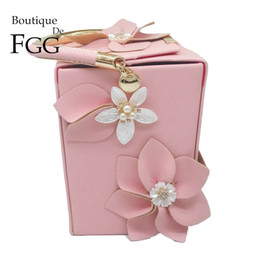 Box Handbags NZ - Boutique De FGG Unique Design Gift Box Shape Women Flower Clutch Evening Tote Bag Floral Beaded Wedding Handbag Purse Ladies Bag Y18102304