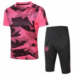 Camiseta de fútbol 2018 OZIL LACAZETTE WILSHERE ALEXIS AUBAMEYANG 3 4  pantalones de chándal de manga corta survetement Maillot uniforme mejor  calidad b4d20e91f6e0e
