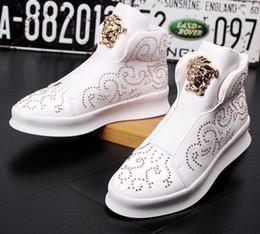 4b84dc067 Мужские туфли на высоком каблуке с заклепками Твердые молодежные тренды  Толстые круглые пальцы на шнуровке Плоские туфли Мужские модные ботильоны