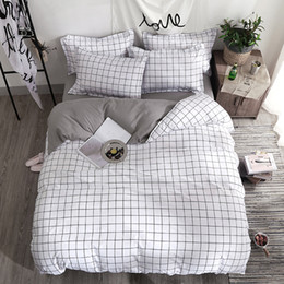 Discount gold color combinations - Bedding Set Fashion duvet cover bed sheet Pillowcase Square stripes Home textile black White Gray combination bedclothes