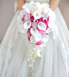 roses calla lily 2018 - Simulation roses, calla lilies, diamond-studded flowers, pearls, butterfly bridal bouquet Wedding Flowers white pink wed