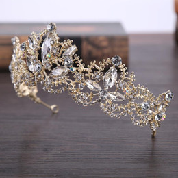 $enCountryForm.capitalKeyWord NZ - new bride ' s head is decorated with a royal gold wedding dress and a crown hair ornament New style