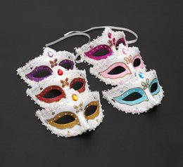 wholesale face gems NZ - Women Fashion Halloween Party Masquerade Masks With a Gem Valentine's Day Party Decoration Carnival Face Mask Bar Club Show Sexy Masks