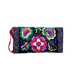 Chinese  Whole Sale Women Ethnic Handmade Embroidered coin purses Wristlet Clutch Bag Vintage Coin Purse Wallet monederos para monedas #Y manufacturers