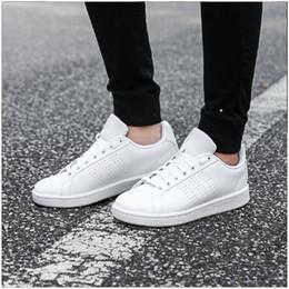 1afdea77 2018 verano nueva moda modelos de pareja tendencia de la moda coreana  estudiantes salvajes zapatos casuales mujeres planas zapatos blancos
