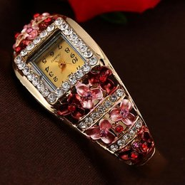 Quartz Paint Canada - Women Luxury blingbling Diamond Watch Fashion noble gift crystal sumptuous painted metal three-dimensional leaf flowers Bracelets watch