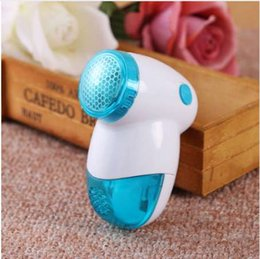 sweater stock Canada - 1PC New Portable & Practical Electric Lint Removers Clothes Lint Fabric Trimmer Hairball Epilator Sweater Clothes Shaver