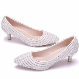 New Fashionl White Rhinestone Chain pointed toe shoes for women 5cm heels Pearls wedding shoes thick heels Elegant Plus Size sale cheap price hhQIYJ6
