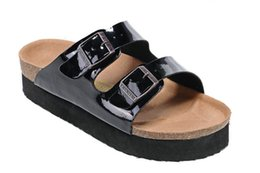 Cheap Nude Sandals UK - New Famous Brand Arizona Men's Flat Sandals Cheap Women Casual Shoes Male Double Buckle Summer Beach Top Quality Genuine Leather Slippers
