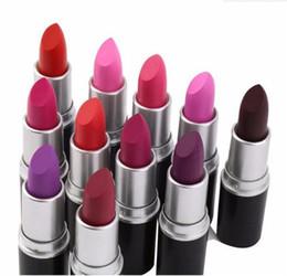 Venta al por mayor de 2018 hot matte Lipstick M Maquillaje Lustre Retro Pintalabios Frost Sexy Mate Pintalabios 3g 25 colores labiales con Nombre Inglés