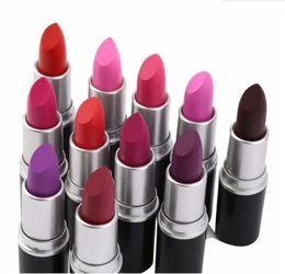 Vente en gros 2018 rouge à lèvres mat chaud M maquillage lustre rétro rouges à lèvres Frost Sexy rouge à lèvres mat 3g 25 couleurs de rouge à lèvres avec nom anglais