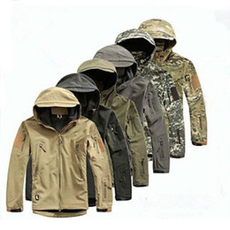 Military Camouflage Clothing NZ - Men's Lurker Shark Skin Soft Shell Outdoor Military Tactical Jacket Waterproof Windproof Sports Army Camouflage Clothing Hot Sale