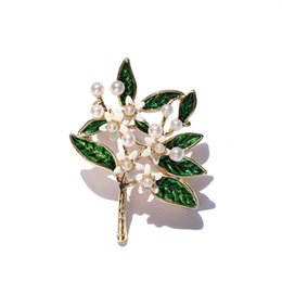 Flower Brooches Australia - Ajojewel New Enamel Green Leaf With White Simulated-pearl Gardenia Flower Tree Brooches For Women As Wedding Party Jewelry