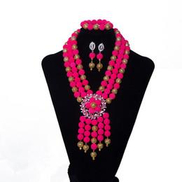 36c2b6ca9729 3 Filas Rosa Collar Pendiente Pulsera Perlas Africanas Conjunto de Joyas  Boda Nigeriana Conjunto de Joyas de Novia Accesorios de Fiesta de Mujer  Envío ...