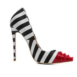 ef3ffe5db 2018 Nova moda atacado 12 CM sapatos de salto alto apontou toe rebite  especial zebra PU padrão vestido sapatos mulher atacado China